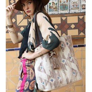 Handbags - New🌻Handwoven Ethnic Tote w/ tassel